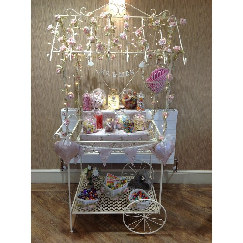 Candy Bees Wedding Sweet cart with floral decoration